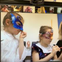 Меняем маски: творческий вечер для участников Lobster Club