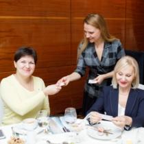 Деловой завтрак по-гречески