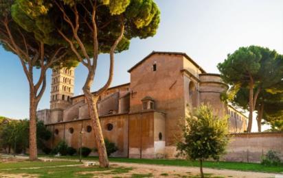 Рим. Авентинский холм. Церковь