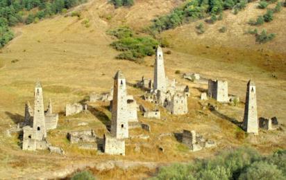 Горная Ингушетия. Средневековый башенный комплекс Таргим