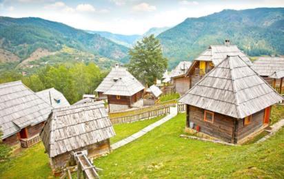 Сербия. Мокра Гора. Этнодеревня Дрвенград