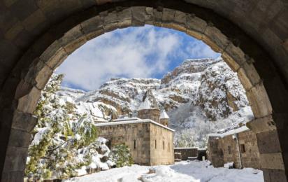 Армения. Монастырь Гегард зимой
