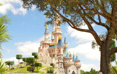 Париж. Парк развлечений «Диснейленд». Замок