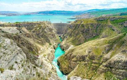 Дагестан. Чиркейская ГЭС на реке Сулак