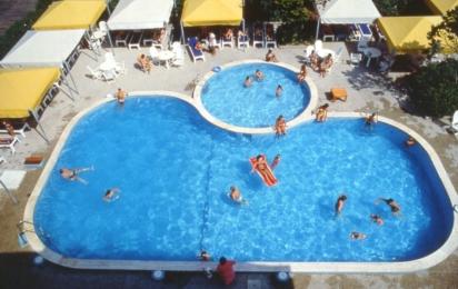 CARAVELLE & MINICARAVELLE, piscina